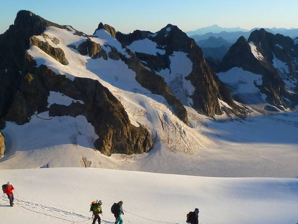 Randonnée en haute montagne sur le glacier Blanc (Ecrins)