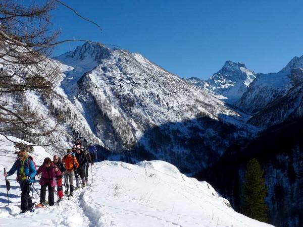 Belvédère sur le Mont Viso (3841 m) -Tour du Queyras à raquettes
