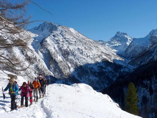Panorama sur le Mont Viso depuis l'Echalp - Raquettes en Queyras