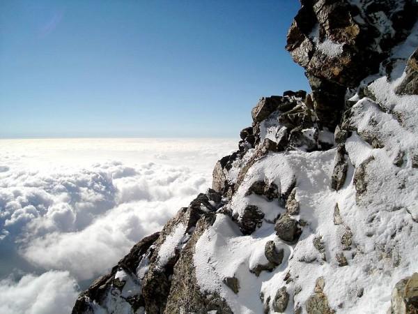 un peu de glace sous le sommet