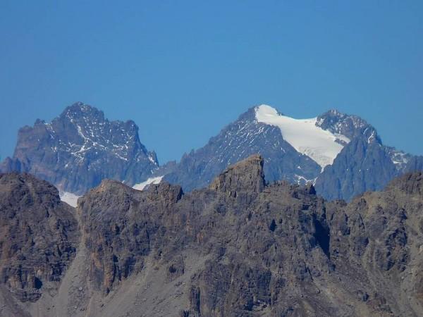 Le Parc des Ecrins (4102 m) vu depuis le Col des Houerts - Tour de la Font Sancte