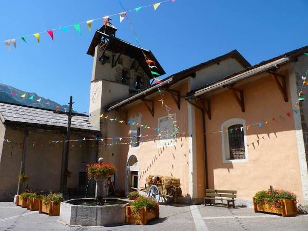 Eglise de Ceillac point de départ et de retour - Tour de la Font Sancte