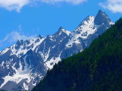 Pic Nord de Font Sancte (3385 m) point culminant du Parc Naturel Régional du Queyras