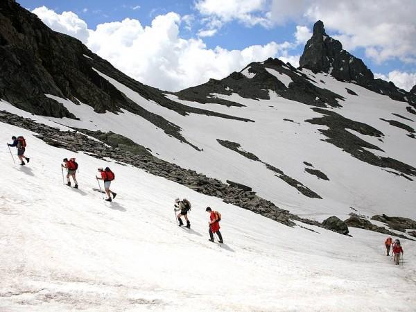 Col de Chamoussière en début d'été - Trek des 3000 du Queyras (GR58)