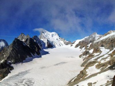 Le Glacier Blanc dominé par la Barre (4102 m)