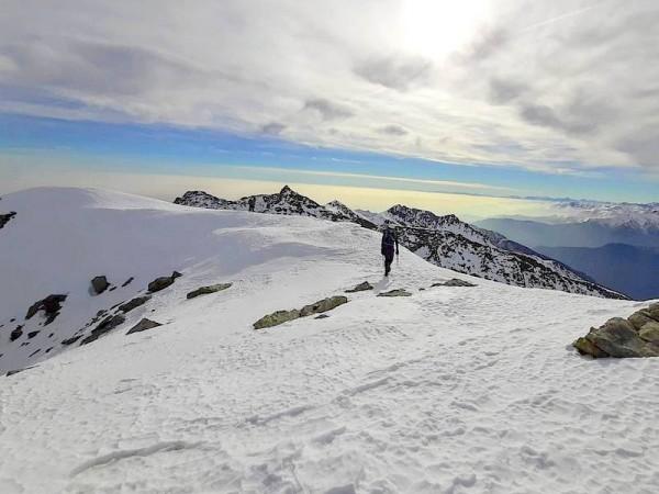 Parcours sur crête facile - alpinisme hivernal