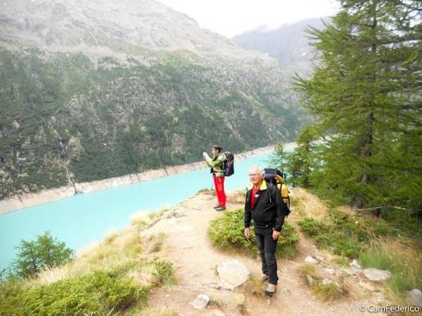 Lac de Place Moulin - Haute-Route Valais-Aoste entre Italie et Suisse sur vastes glaciers