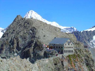 la Cabane des Vignettes - haute route Aoste Valais entre Italie et Suisse
