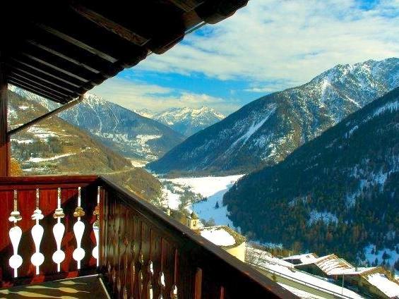 Vue depuis le balcon d'une chambre de l'hôtel (Non contractuel) - ski et spa en val d'Aoste