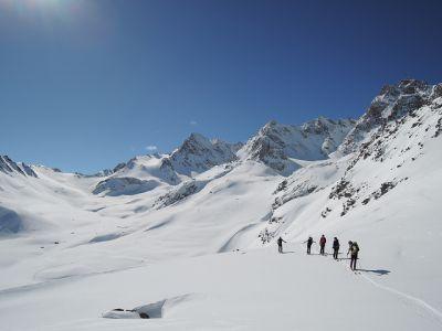 Vastes étendues immaculées en Ubaye - GTA - grande traversée des alpes à ski