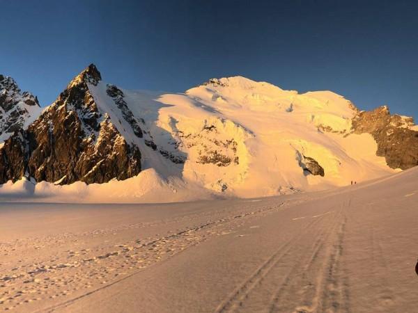 Glacier Blanc et Barre des Ecrins