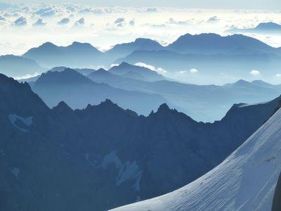 Les Alpes du Sud vues depuis la Roche Faurio