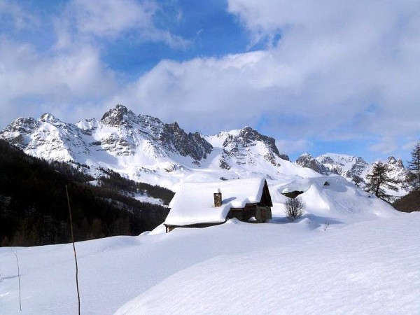 Chalets d'alpage enneigés - Haute Clarée à Raquettes