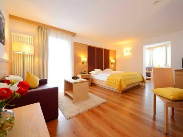 Chambre Suite - Hôtel 4 étoiles (Non contractuel) - Ski de randonnée dans les Dolomites
