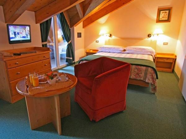 Une des chambres de l'Hôtel 3 étoiles (Non contractuel)