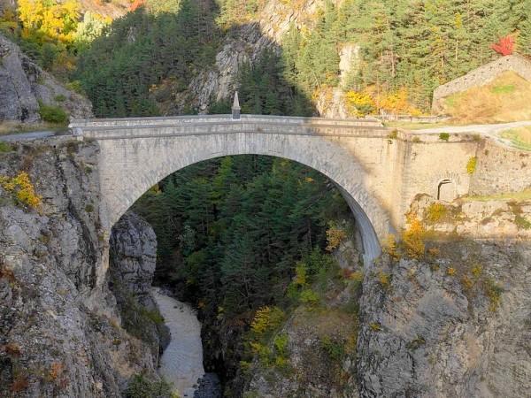 Pont d'Asfeld (Briançon) -  Sur le chemin de Saint-Jacques de Compostelle dans les Alpes