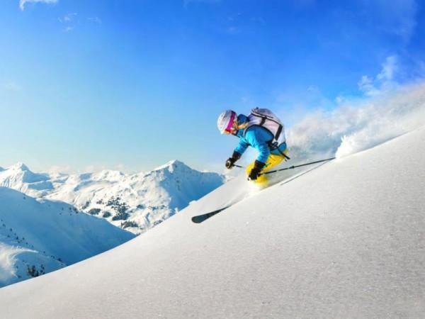 Belle neige poudreuse à super Ski Prali