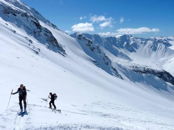 montée au col de Chaudemaison à ski