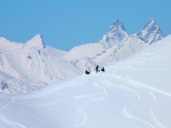 Zoom sur les Aiguilles d'Arves depuis le Col de Chaudemaison