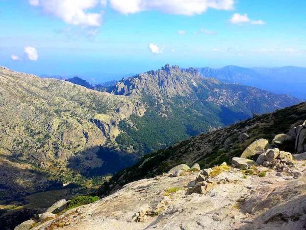 Au-dessus du refuge Asinau