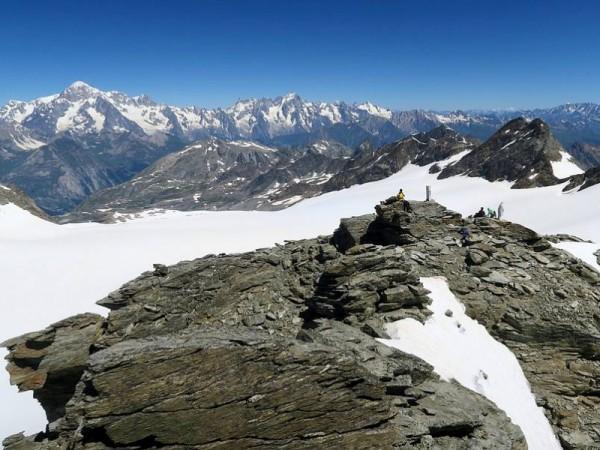 Cime du Ruitor et Mont-Blanc au fond