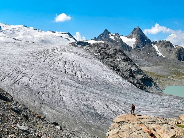 Glacier du Ruitor et son lac de moraine