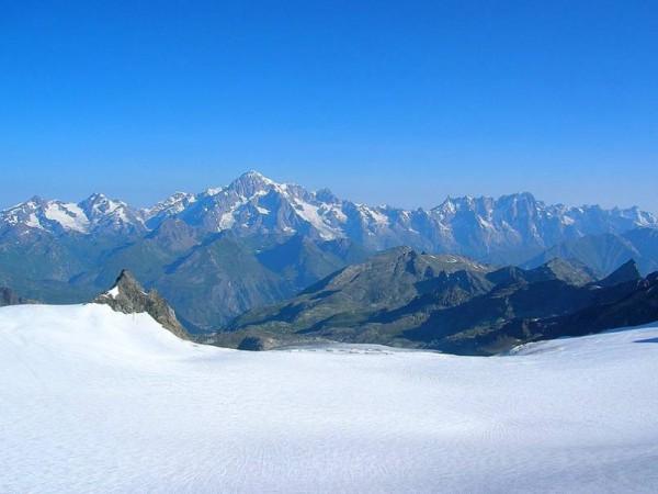 Massif du Mont-Blanc vu depuis le Ruitor