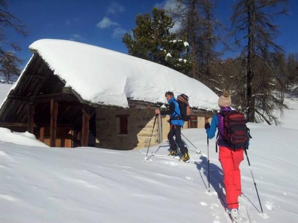 Cabane pouvant servir d'abris en cas de mauvais temps