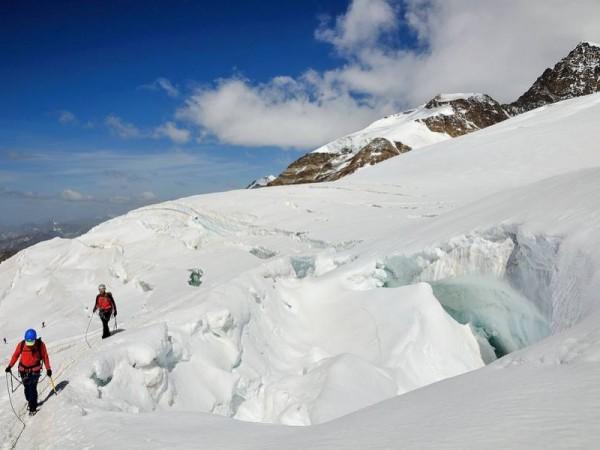 Sur les Glaciers à plus de 4000 m - Massif du Mont-Rose