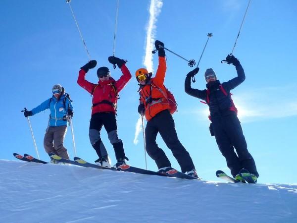 arrivée au sommet - Ski de randonnée avec guide Haute Montagne - Ecrins - Queyras