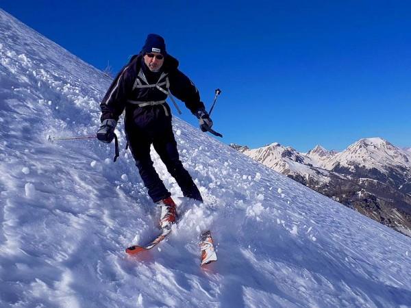 Descente vers Arvieux - Ski de randonnée avec guide Haute Montagne - Ecrins - Queyras