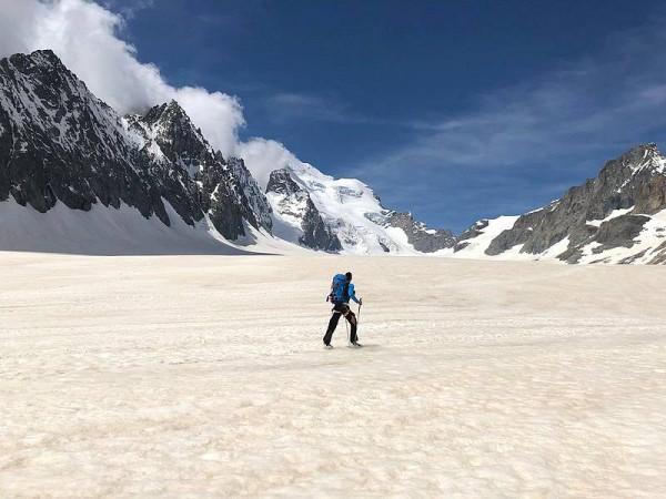 Seul au monde sur l'immense Glacier Blanc