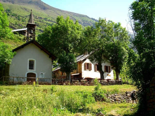 Ecole et Temple de Dormillouse